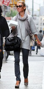 Kelly Ripa's Chic Casual Look